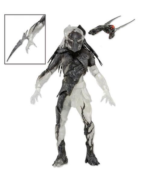 a closer look at neca s predators series 7 falconer figure 171 pop critica pop critica