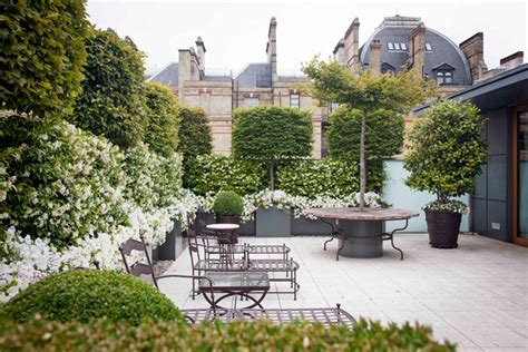 City Garden Ideas Roof Terrace View City Gardens Small Space Garden Design Houseandgarden Co Uk