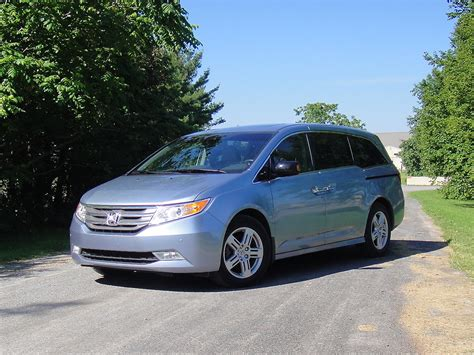 honda or toyota which is better which is better honda odyssey or toyota 2011