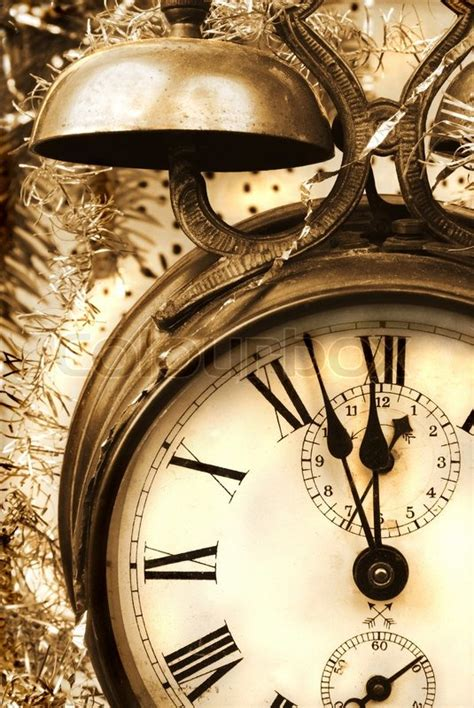 imagenes vintage año nuevo vintage new year with antique alarm clock stock photo