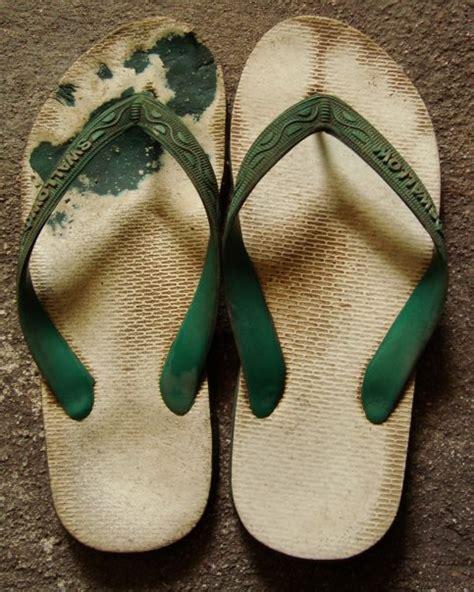 Sendal Flipflop Sendal Pompom Sendal Jepit nama sandal jepit di berbagai negara yang perlu agan tau