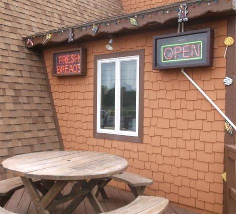gingerbread house frisco nc 24 juin 2015 bild fr 229 n gingerbread house bakery pizza frisco tripadvisor