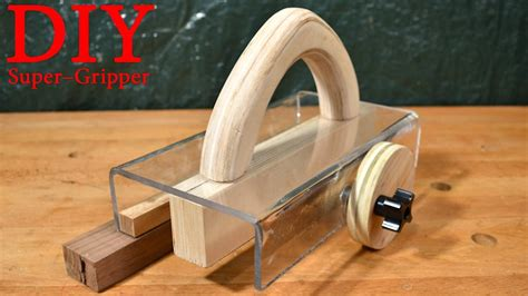 the gripper woodworking diy gripper pusher simplified by crazyrussianwoodshop