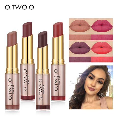 Lipstik Makeover Matte Lip o two o brand wholesale makeup lipstick popular colors best seller lasting lip kit