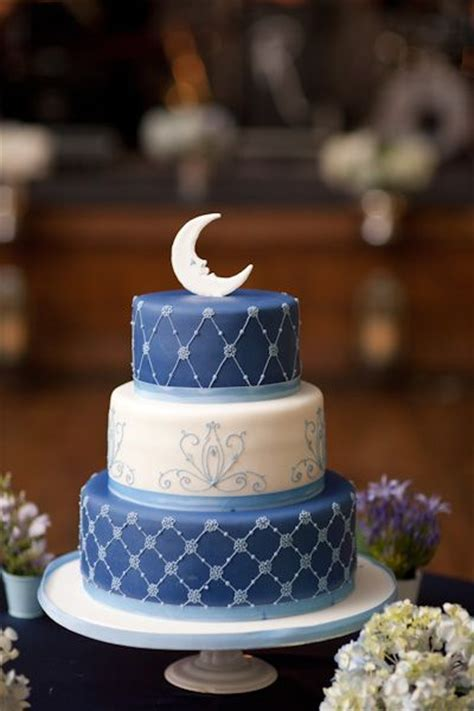 """A Whimsical """"Paper Moon"""" Inspired Wedding In Toronto"""