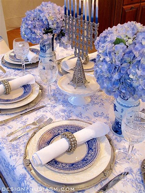 White Table Settings Best 25 White Table Settings Ideas On White Shower Inspiration Striped Table And