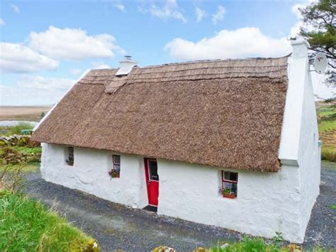 cottages in galway the thatch spiddal county galway spiddal self