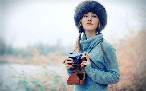 wallpaper camera girl beautiful winter girl camera hd photo new hd wallpapers
