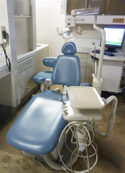 adec performer chair adec 8000 performer ii pre owned dental inc