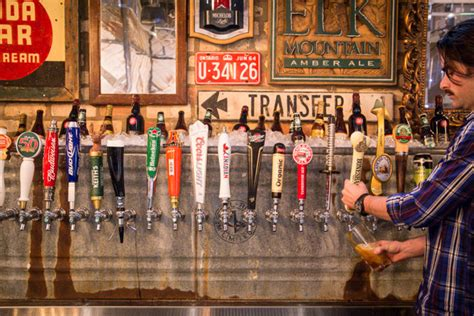 top 10 bars toronto the 10 bars with the most beer taps in toronto