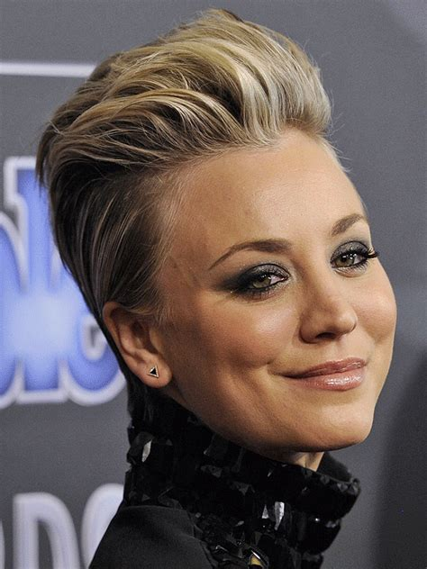 sweeting kaley cuoco new haircut see kaley cuoco sweeting s people magazine awards