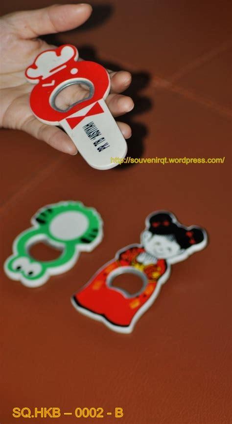 Hiasan Magnet Untuk Kulkas souvenir hiasan kulkas pembuka tutup botol souvenir kita