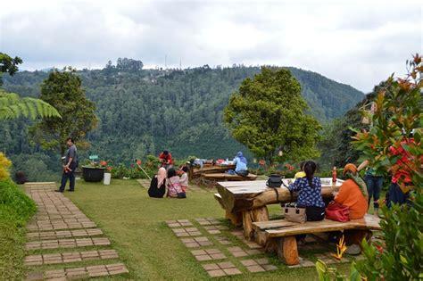 jardin cafe malang instagram 10 resto di bandung dengan pemandangan luar biasa