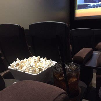 Living Room Theatre Portland by Living Room Theaters 123 Photos 423 Reviews Cinema
