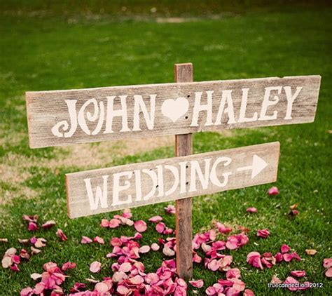 Handmade Sign Ideas - country wedding inspiring etsy finds