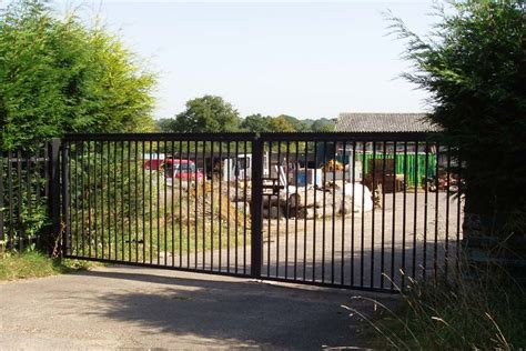 farms field or garden gates r fencing