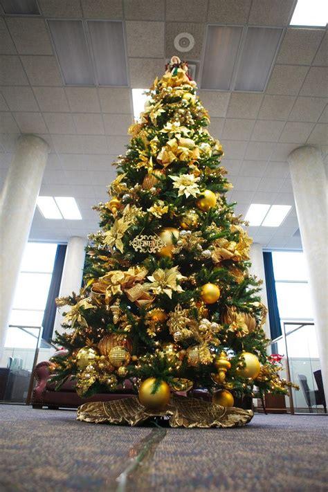 arboles de navidad en totuz color blanco oro y plata ideas para los adornos navide 241 os