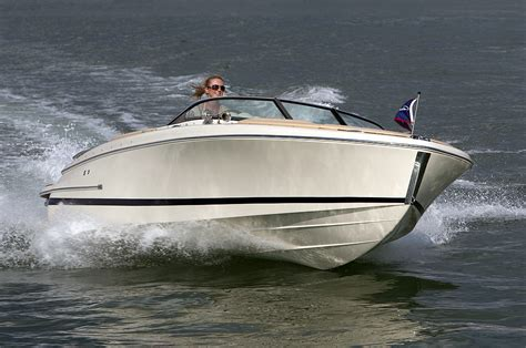chris craft boats reviews chris craft carina 21 review
