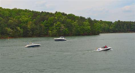 lake lanier boat rides lake lanier boats and boating
