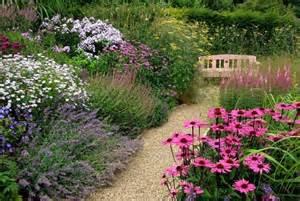 ghiaia per giardini crea giardino sassi da giardino