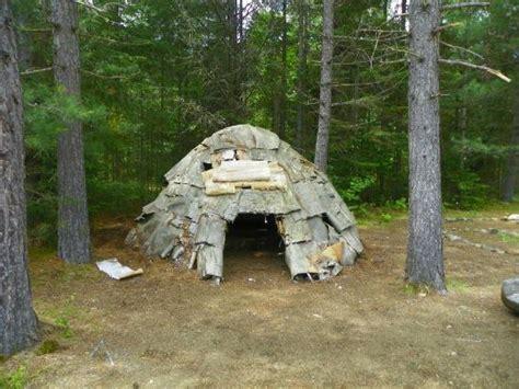 hutte de la préhistoire hutte de sudation photo de auberge refuge du trappeur