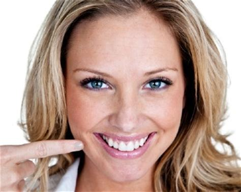 Membersihkan Gigi Kuning 5 cara memutihkan gigi kuning