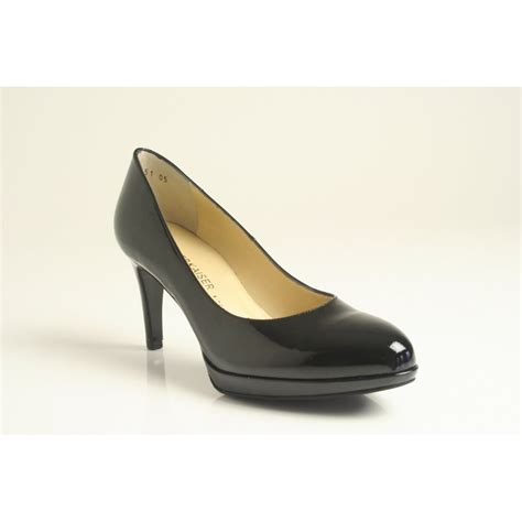 kaiser konia black patent leather court shoe with