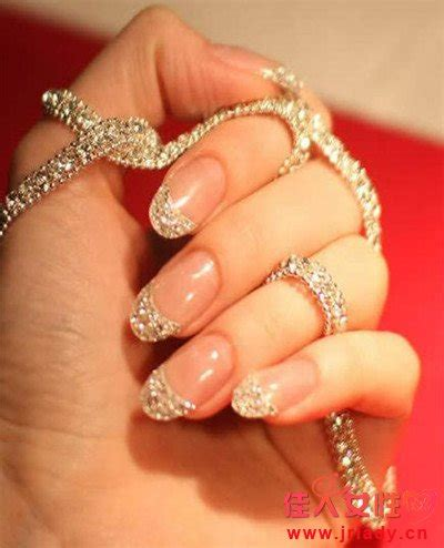 beautiful glitter nail art design for elegant nail 2014最新款水晶美甲造型图片 美甲 佳人女性网