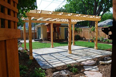 Patio Pergola Difference What S The Difference Between A Pergola And An Arbor
