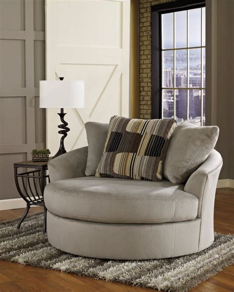 Big Living Room Chairs 10 Stylish And Cozy Large Chairs For The Living Room