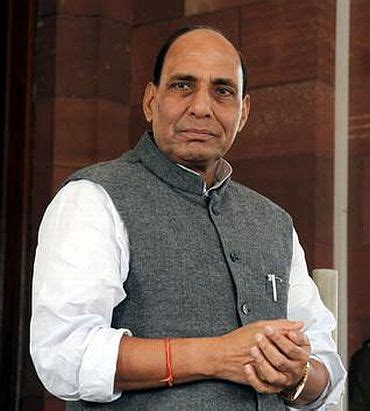 gadkari quits as bjp prez rajnath singh to take