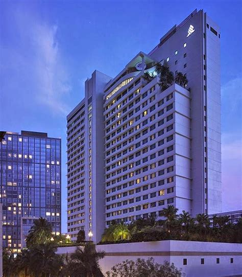 9691 New Manila Blue 1 eye in the sky buffet dining at cafe 1228 new world hotel makati