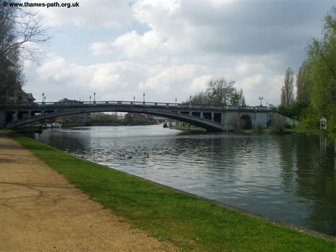 thames river reading the thames path henley on thames to tilehurst