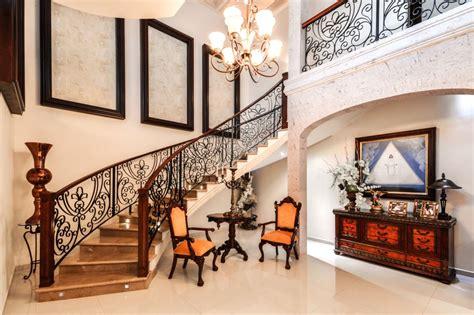 barandales de madera  herreria  una escalera  estilo