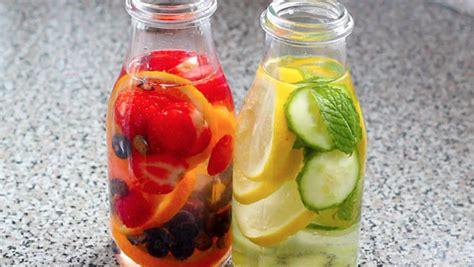 Srticles About Detox Drinks by ١٠ مشروبات صحية تطرد سموم الجسم