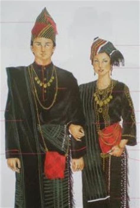 Baju Adat Cowok Batak planet batak suku batak dairi