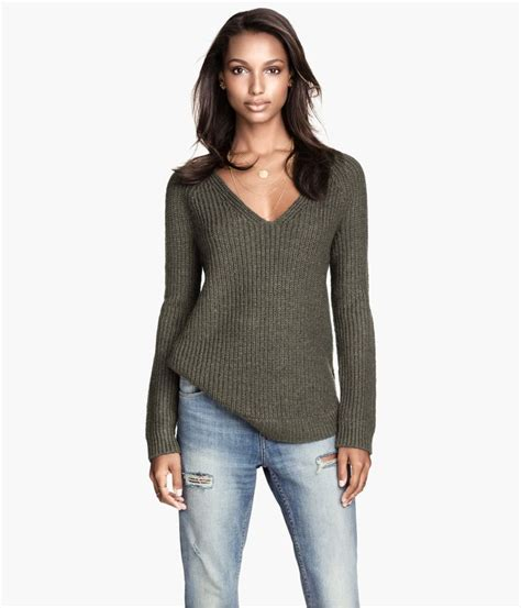 H M Textured Knit Jumper Khaki Green khaki green v neck sweater with soft mohair content slightly longer back warm in h m