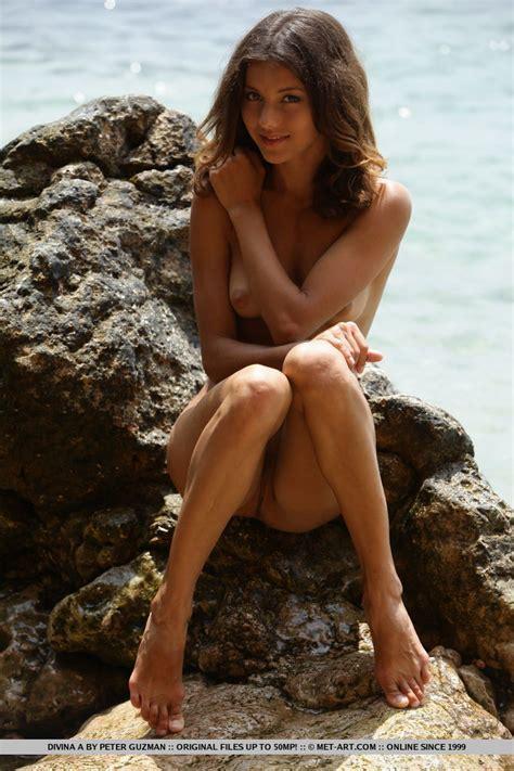 Divina A Nude In Valioso At Metart Hunter
