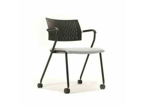 stuhl mit rollen und bremse b cause chaise 224 roulettes by bene design justus kolberg