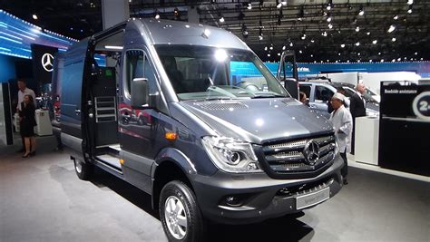 2017 mercedes sprinter 319 cdi 4x4 exterior and