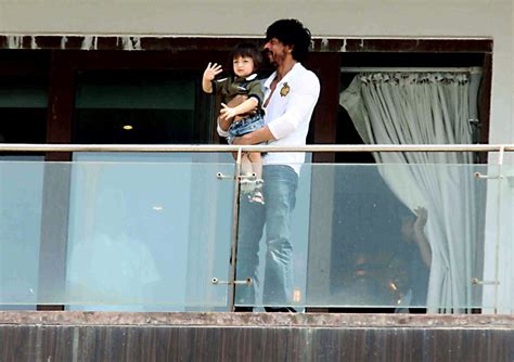 srk house shahrukh khan s sea view home mannat in mumbai zricks