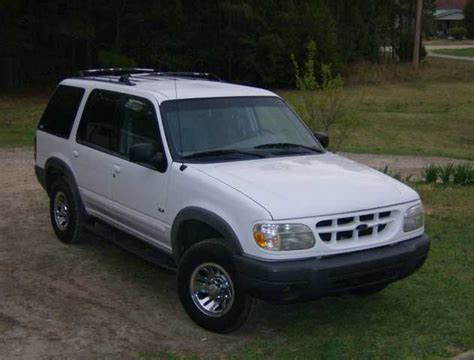 2000 ford explorer xls 2000 ford explorer xls 4wd ford explorer suv 5 650