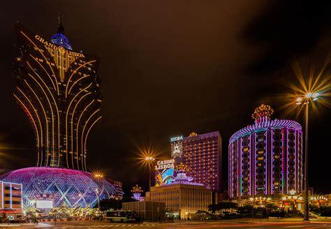 macau casinos record   year   gross gaming