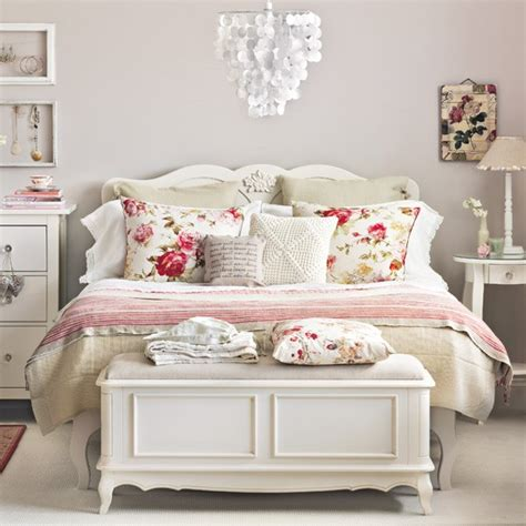 Vintage Country Bedroom Ideas by Vintage Design Ideas To Transform Your Bedroom Create A