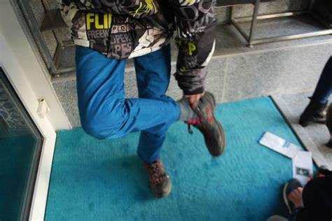 Schuhe Ausziehen by Css Die Klasse 6 7 Besucht Die Moschee In Iserlohn