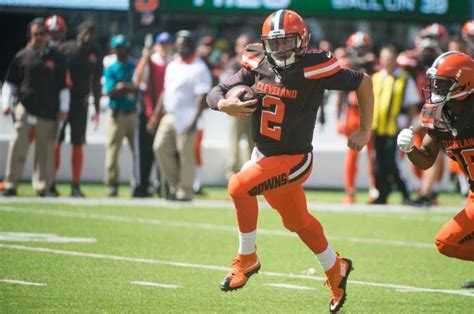 johnny manziel bench johnny manziel back to browns bench josh mccown starting