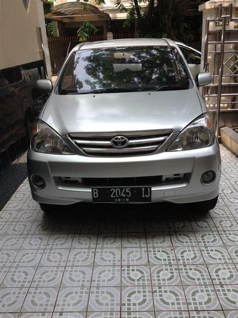 Mobil Toyota Avanza Silver toyota avanza silver 2004 1 3 g mobilbekas