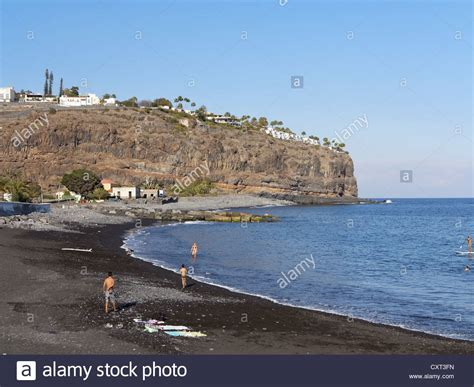 jardin tecina beach with the hotel jardin tecina on the cliffs playa de