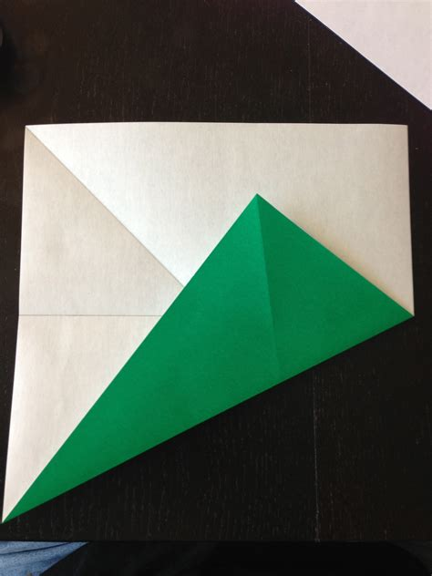 Folding Paper Into - how to fold origami paper into thirds make