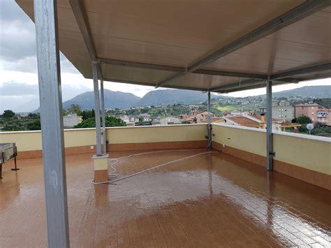 strutture in ferro per tettoie tettoie termo copertura struttura in ferro zincato